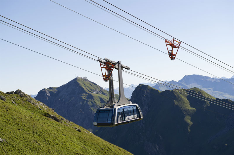 Urdenbahn cable car between Arosa and Lenzerheide