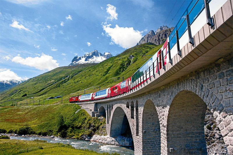 The Glacier Express near Hospental