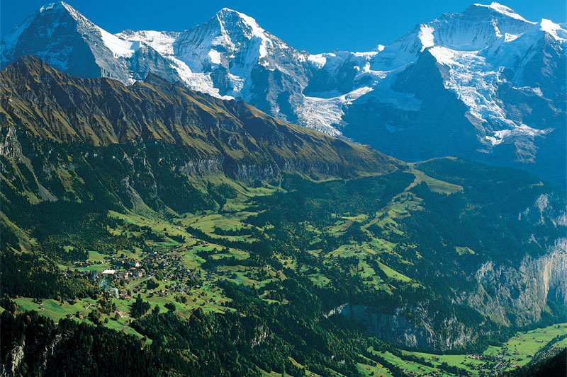 Wengen on its plateau above the Lauterbrunnen Valley