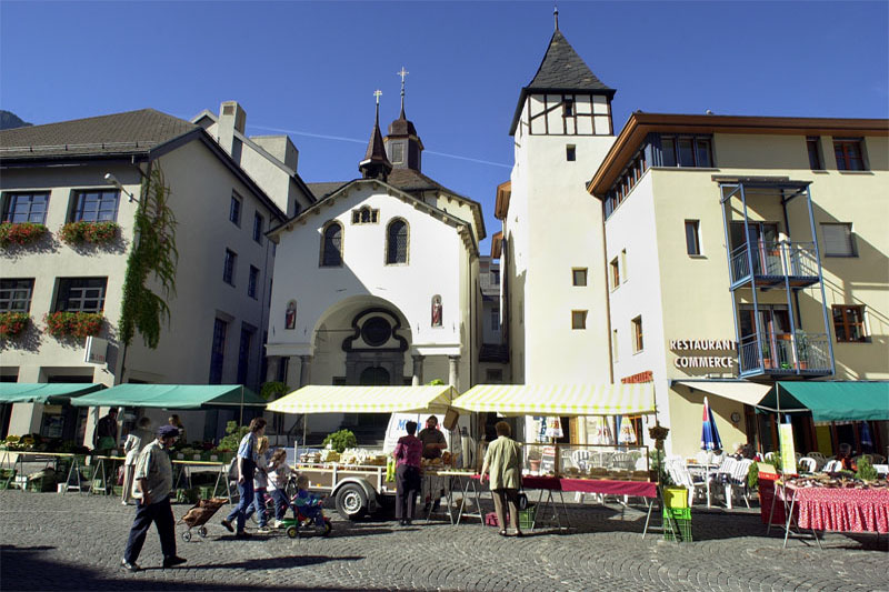 The marketplace in Brig