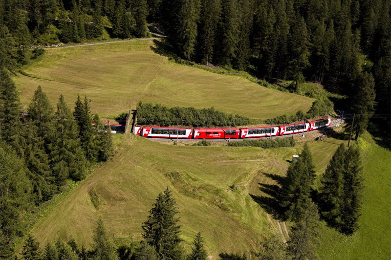 Glacier Express at Bergun