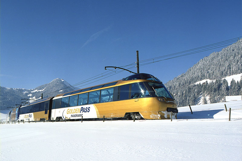Winter journey on the GoldenPass Line