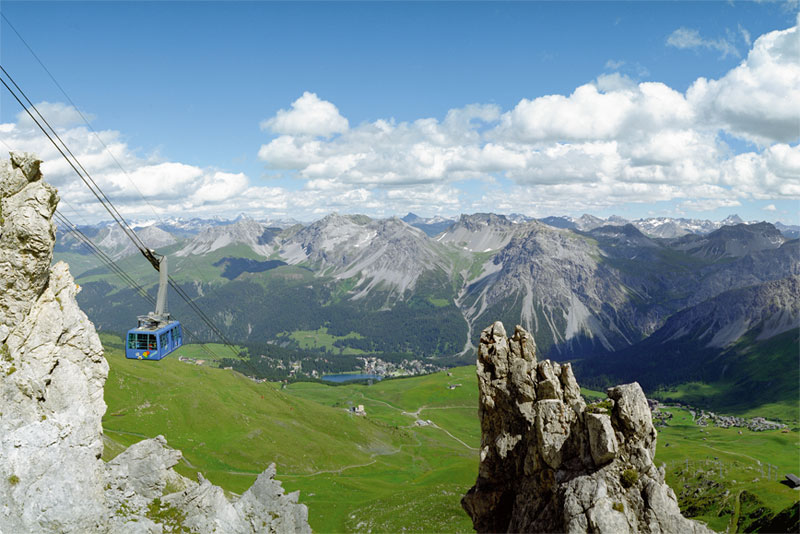 Weisshorn cable car overlooking Arosa