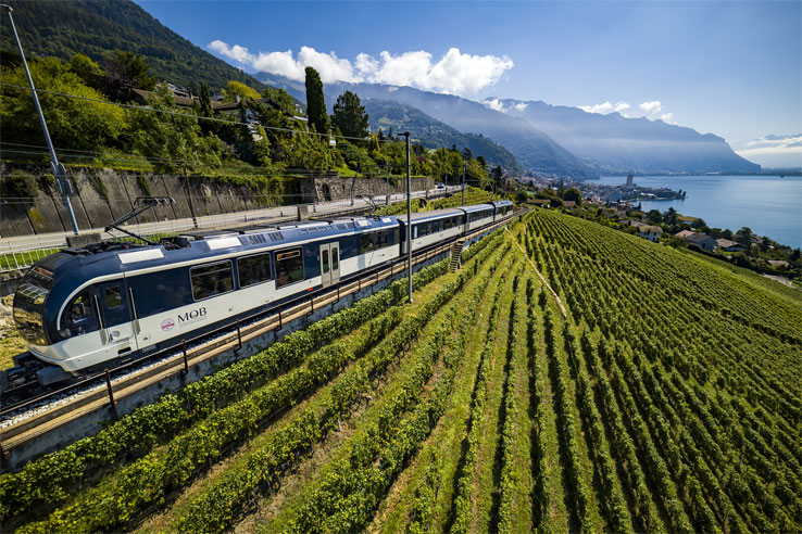 GoldenPass Line above Montreux
